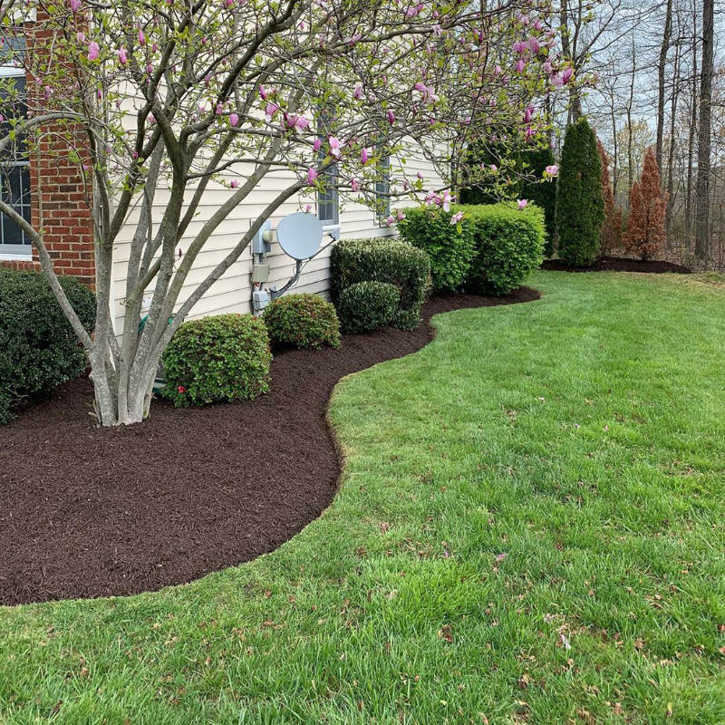Mulching service in Plainfield, IL